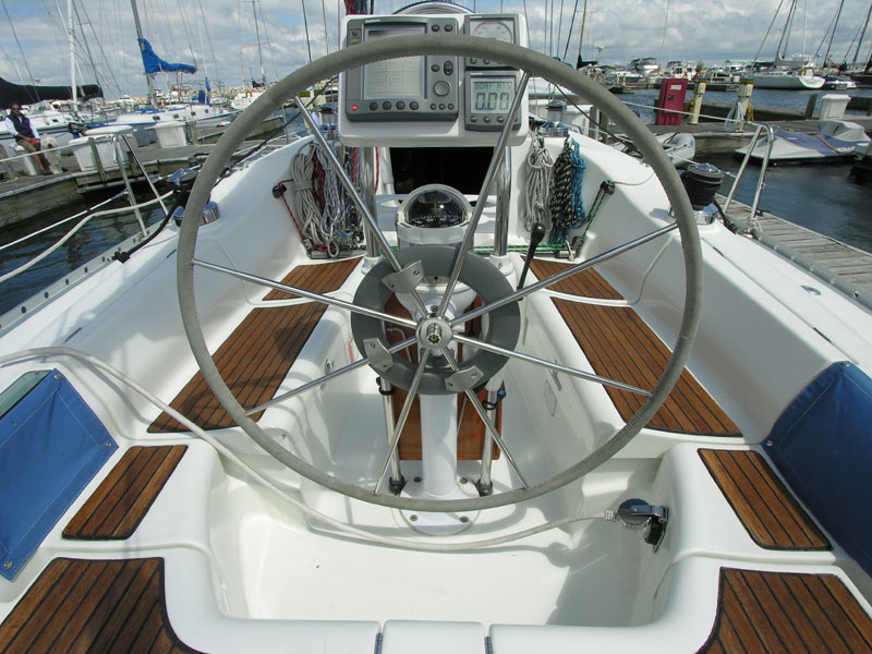 Beneteau 36s7 cockpit used sailboat