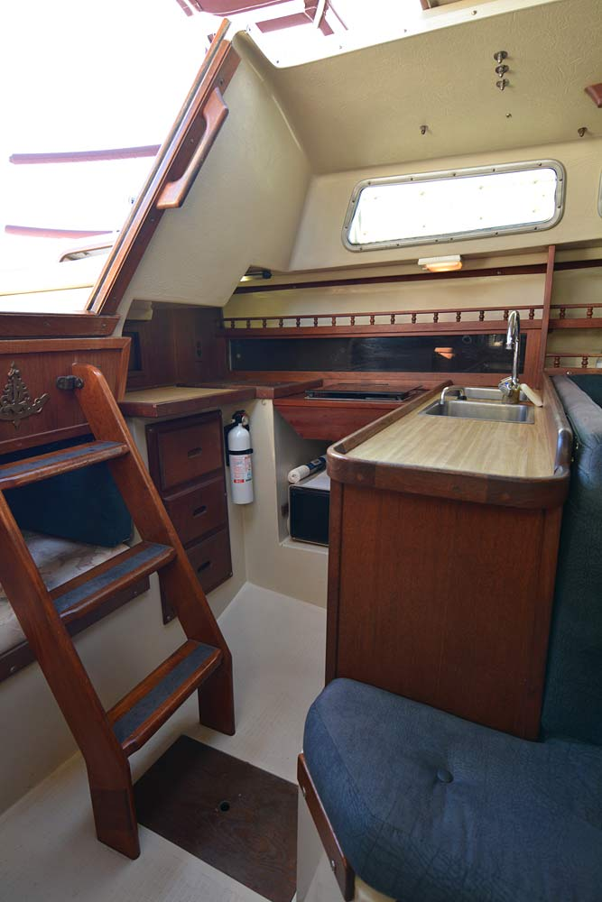 Catalina 30 1982 galley