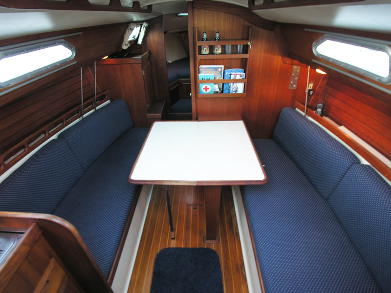 Ericson 28 1988 For Sale By Jan Guthrie Yacht Brokerage