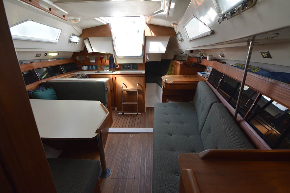 Hunter 31 interior looking aft