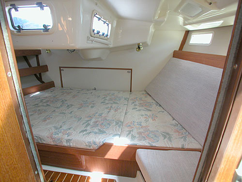 Click for larger image of Hunter 375 aft stateroom