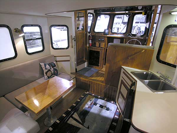 Legacy 32 trawler looking forward to pilothouse